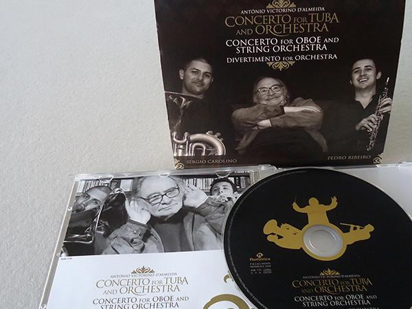 CONCERTO FOR TUBA AND ORQHESTRA / Concerto for Oboe and String Orqhestra / António Victorino D'Almeida